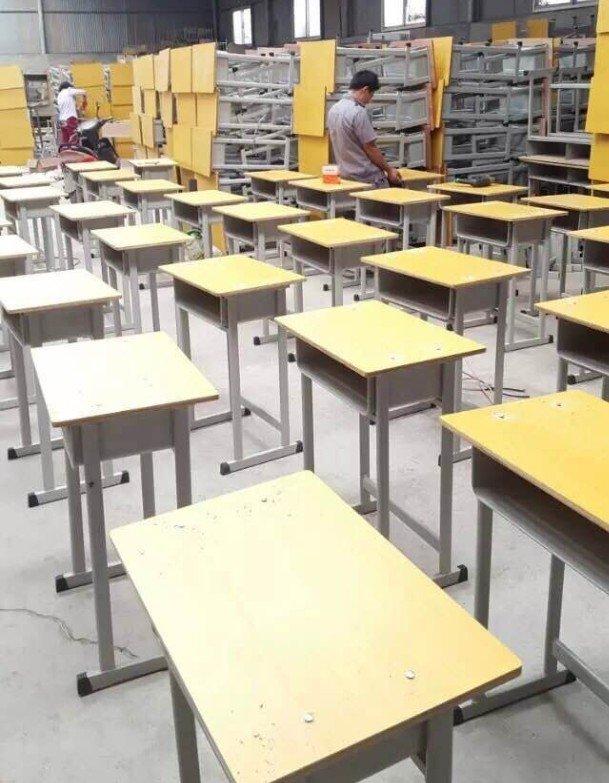 郑州学生课桌椅厂家 冠捷家具欢迎您