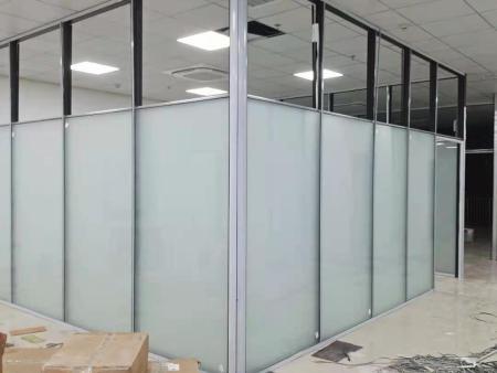 办公室做玻璃隔断施工应该注意的问题