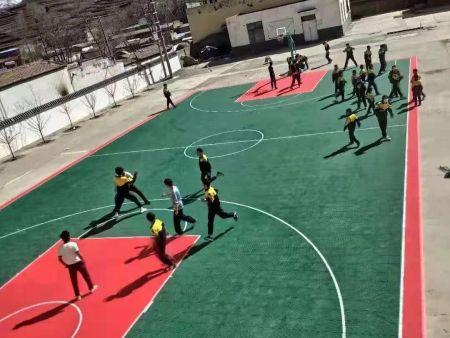 青海明飛捐贈西寧市多林鎮中心學校懸浮籃球場