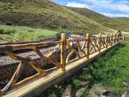 仿枯木景观护栏