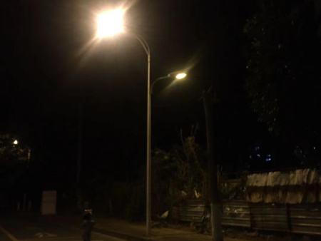农村LED高杆灯安装