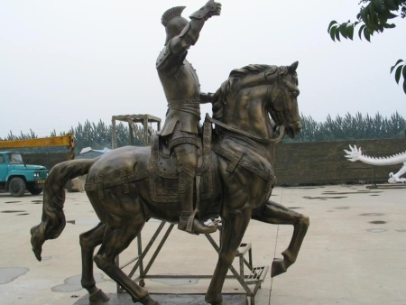重慶鑄銅雕塑和重慶鍛銅雕塑有什么區別?