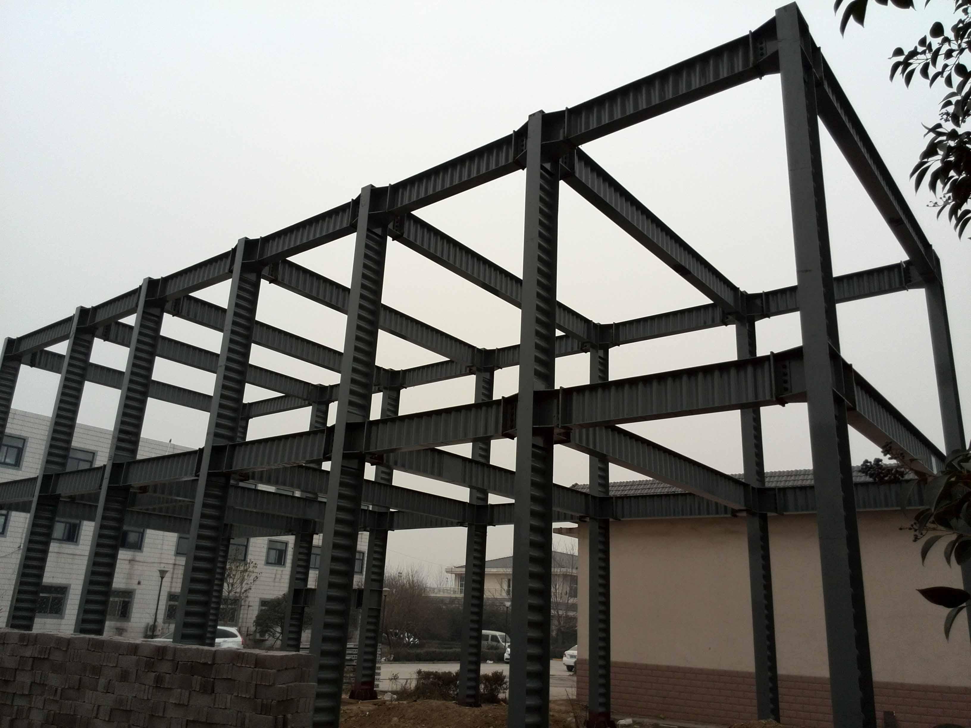 钢结构雨棚计算_广东揭阳专业承接钢结构,幕墙,网架,膜结构,玻璃雨棚等工程