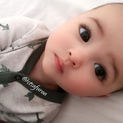 瑞典宝宝出生自带美颜效果 一堆萌照网上走红(图)