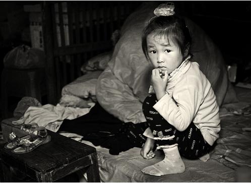 贵州留守男童遭姑父母虐待 男童被打得遍体鳞伤