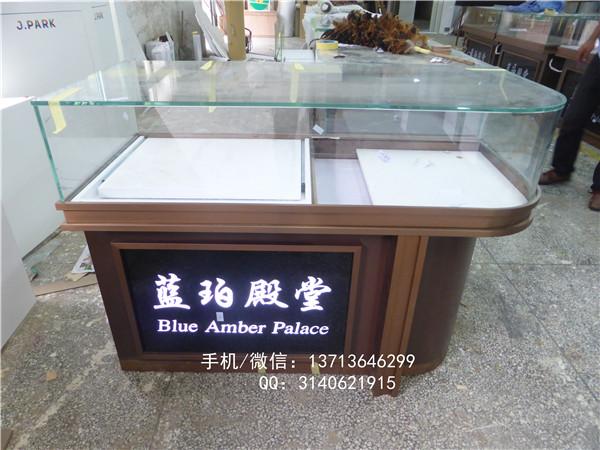弧形珠宝展示柜图片