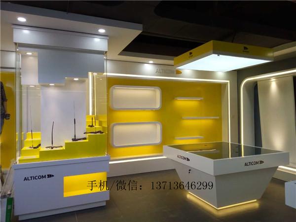 新辅升电子产品展厅装修设计效果图片 厂家定做木制烤漆展示柜