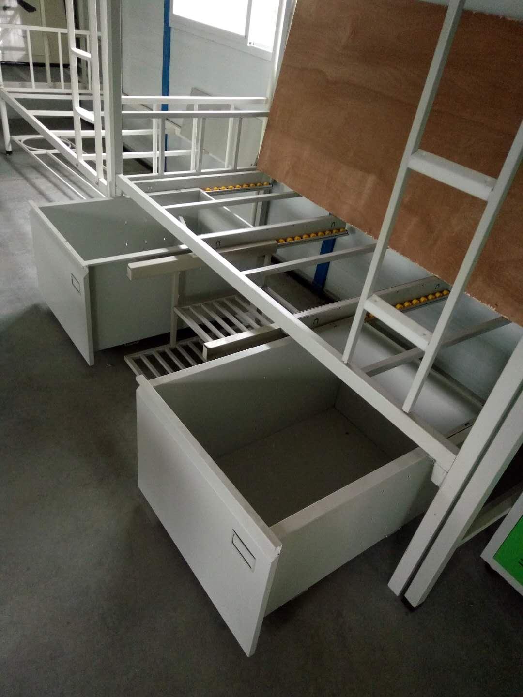 钢制双人床