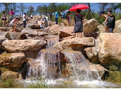 兰州假山喷泉设计.jpg