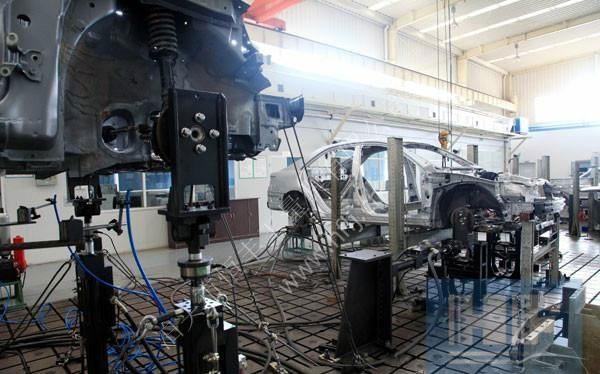 铸铁平台应用于汽车行业案例.jpg
