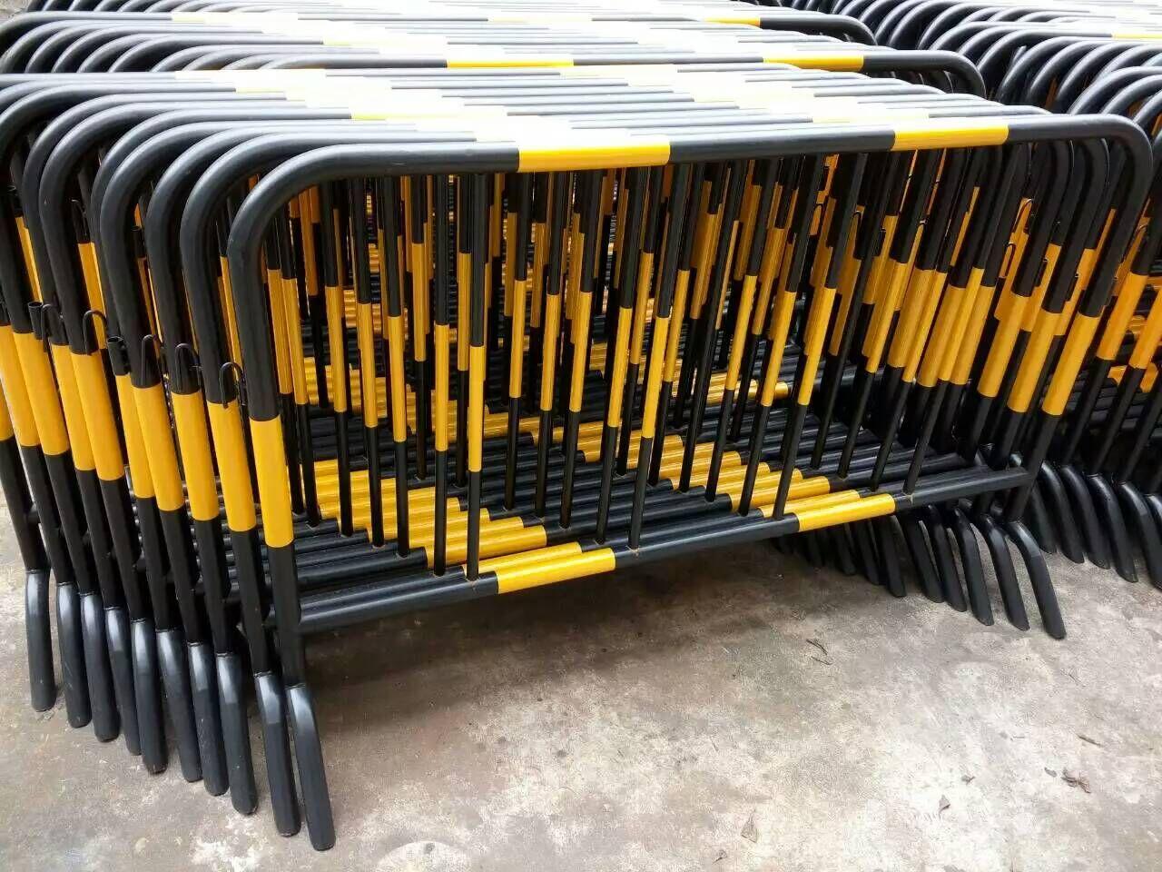 鐵馬護欄網|圍欄網系列-廣西卓歐金屬制品有限公司