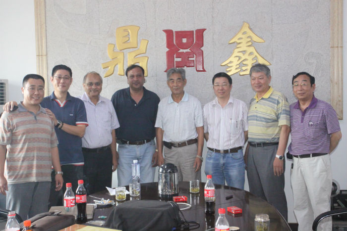 2011年8月上海朋友、法国客户考察公司1.jpg