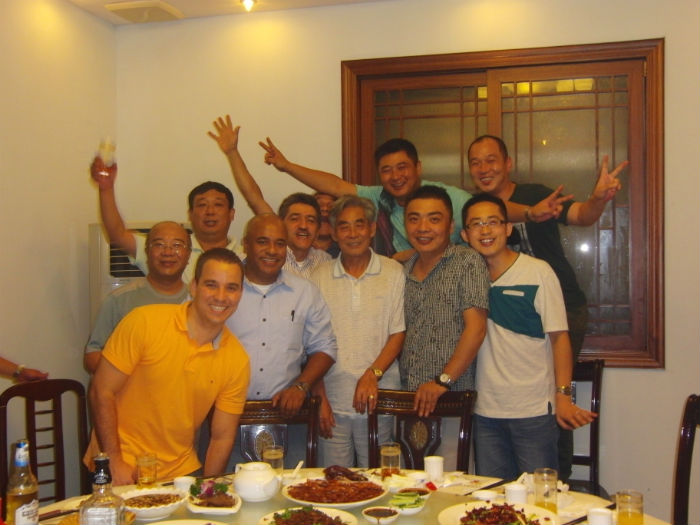 2012年12月与委内瑞拉、哥仑比亚客人.jpg