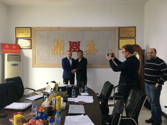 2018年3月與波蘭客戶簽訂合同1.jpg