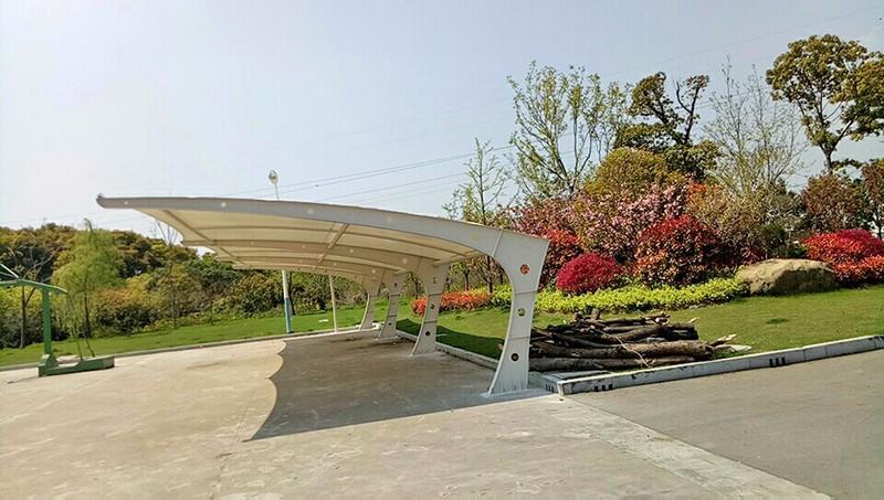 溧阳园林七字型膜结构汽车棚|新闻动态-常州红叶膜结构工程有限公司