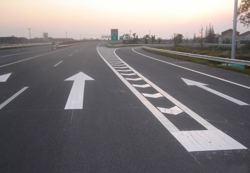 白色热熔反光道路标线漆