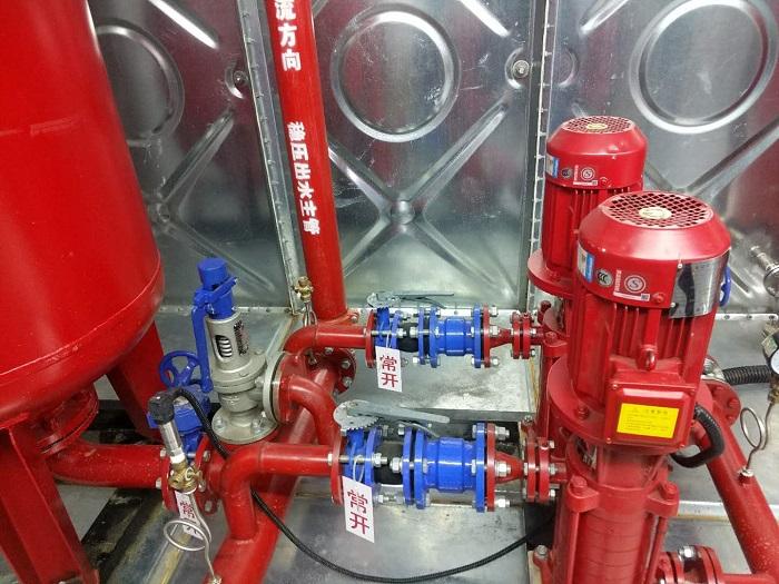 喷水灭火系统中最不利点所需的消防压力p1,作为气压水罐的充气压力.图片