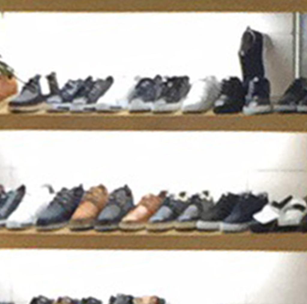 康妮工厂鞋业制造.jpg