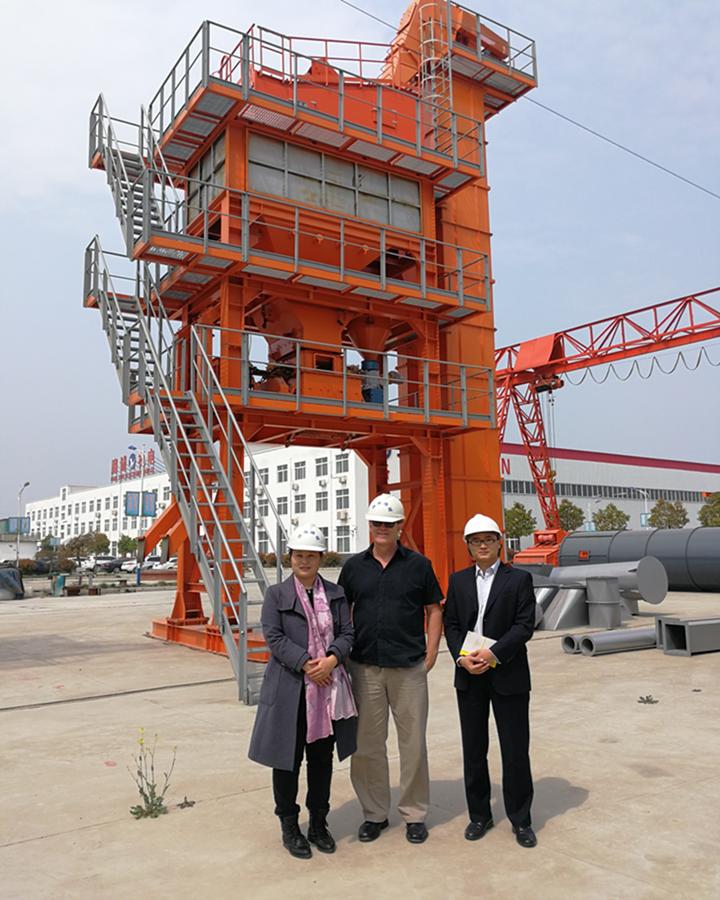 中美客户来访参观工厂|新闻动态-河南路诚机电制造有限公司