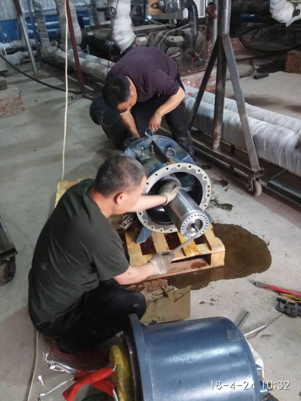 螺杆压缩机维修、空调压缩机维修、制冷压缩机维修、修理螺杆机、北京压缩机维修、螺杆机维修 (2).jpg