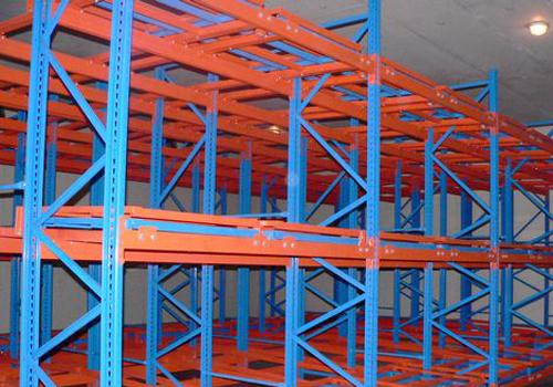 重庆货架:仓储货架使用托盘的好处|货架知识-重庆市新百源金属制品有限公司