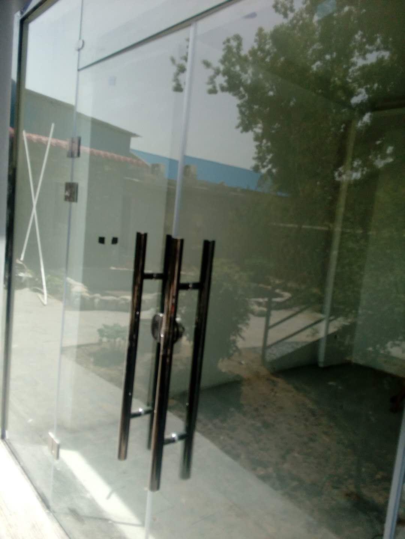 西安玻璃门安装.jpg