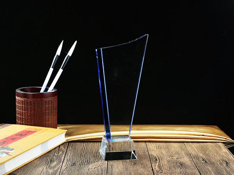水晶奖杯 透明设计|水晶奖杯工艺品礼品-浦江鸿亿水晶礼品有限公司