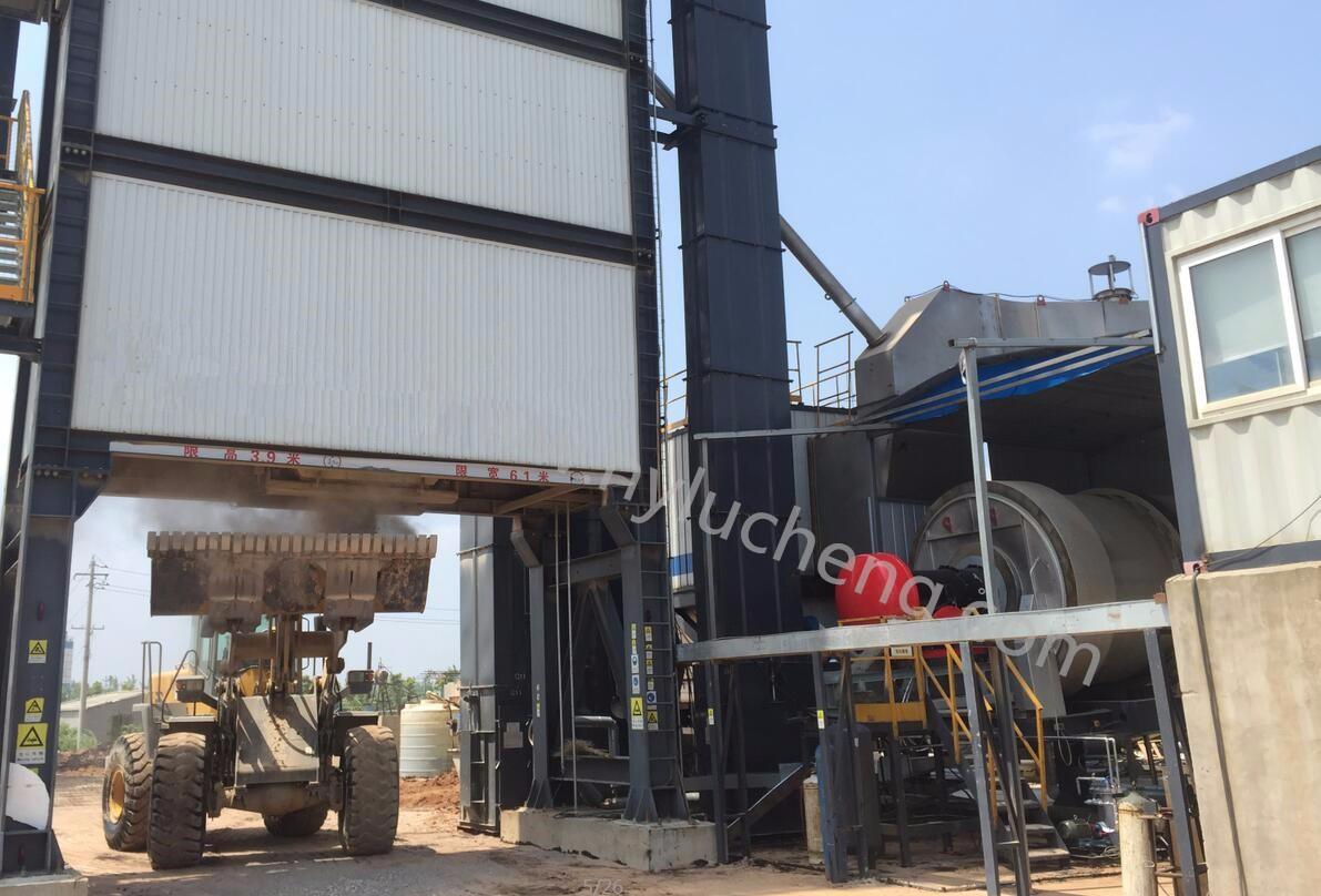 路诚机电为世界10强工程机械制造商配套LCR3000Y型燃油燃烧器|工程项目-河南路诚机电制造有限公司