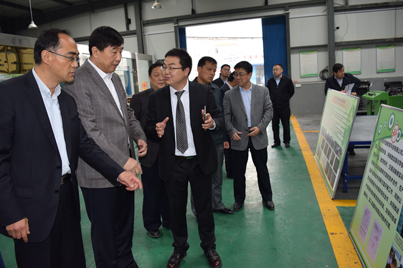 中国科协党组成员兼学会部部长、企业工作办公室主任宋军视察天益公司