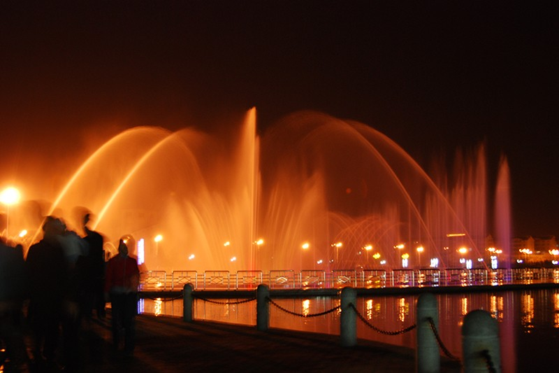 禹城公园大型音乐喷泉|工程案例-山东中润喷泉工程有限公司