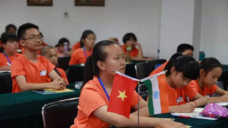 我是未来外交官|研学学员风采-南阳市博睿教育咨询有限公司