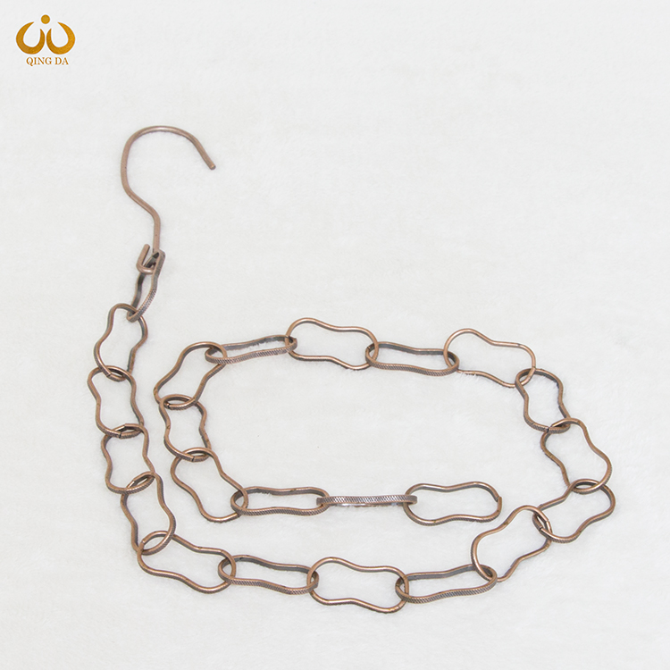古铜色铁链