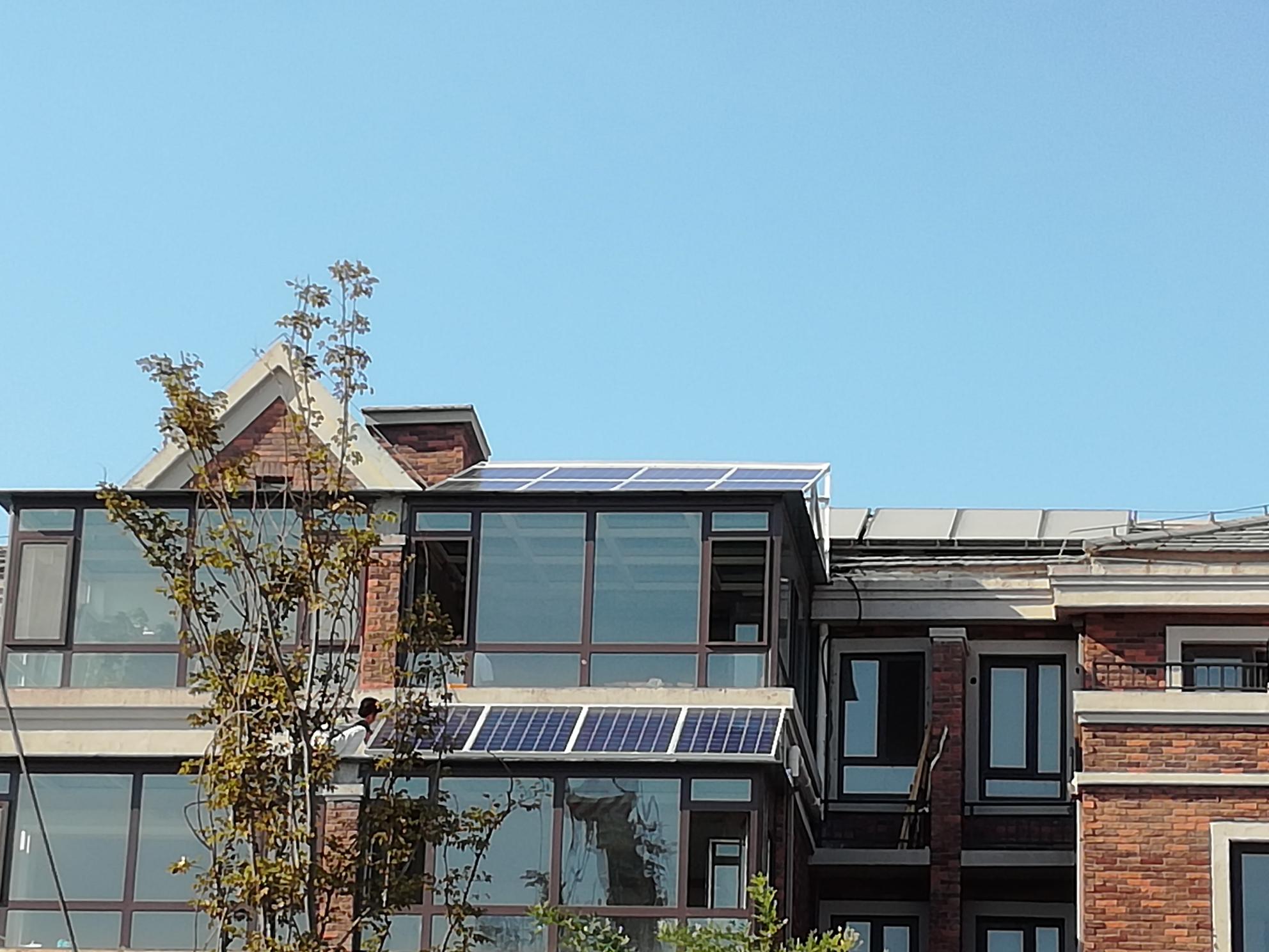 高新区家庭屋顶用3KW光伏并网电站.jpg