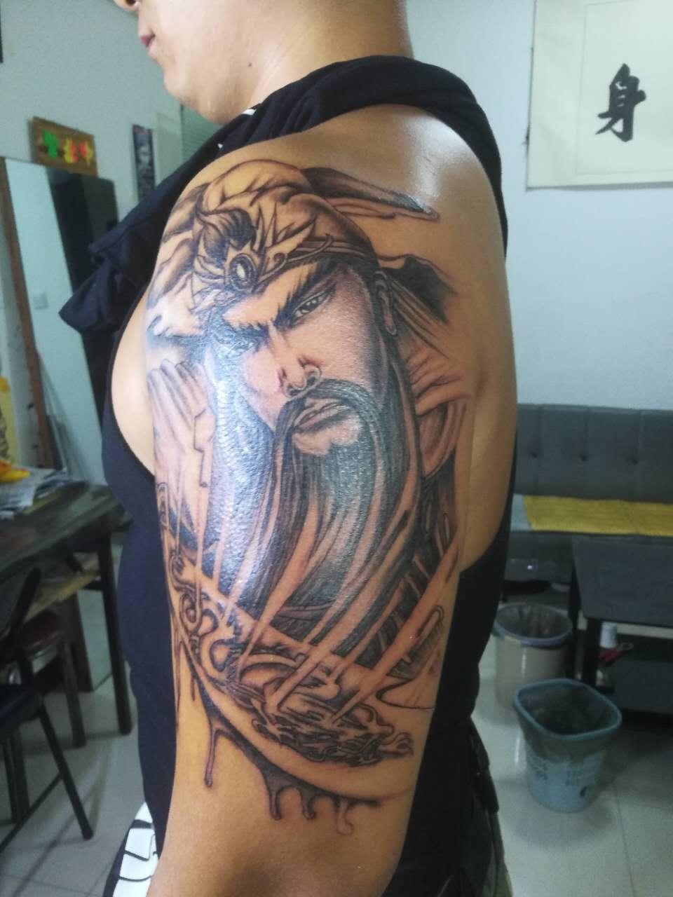 郑州天龙纹身谈纹身前如何选图|刺青常识-郑州天龙纹身工作室