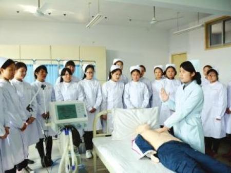 比较好就业的要数医学类专业_【王者葡京职业技术学院】
