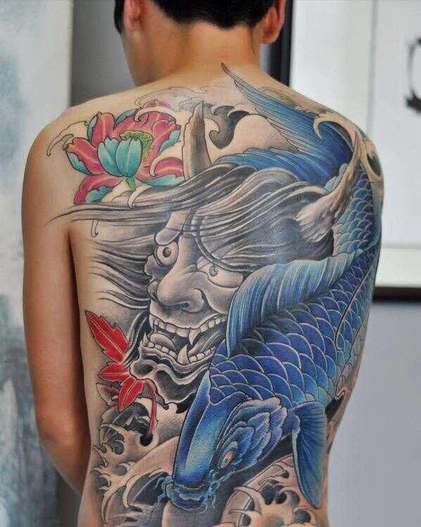 郑州纹身:满背纹身,满背鱼纹身,般若鲤鱼纹身.jpg