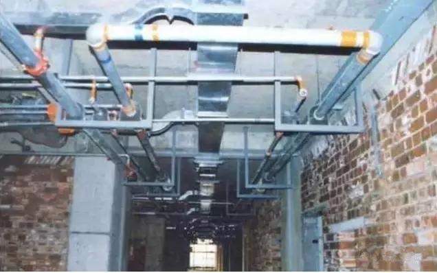 大连通风排烟-风管与桥架 水管道避让