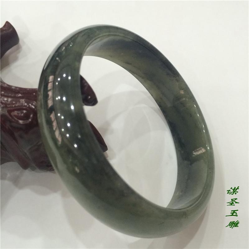 和田玉籽料青花手鐲.jpg