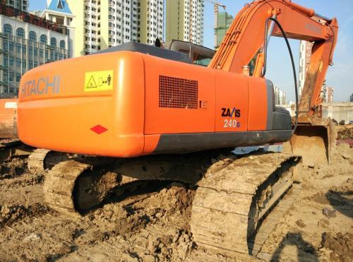 常见的挖掘机维修问题,转向缓慢怎样办_联邦重机挖掘机维修