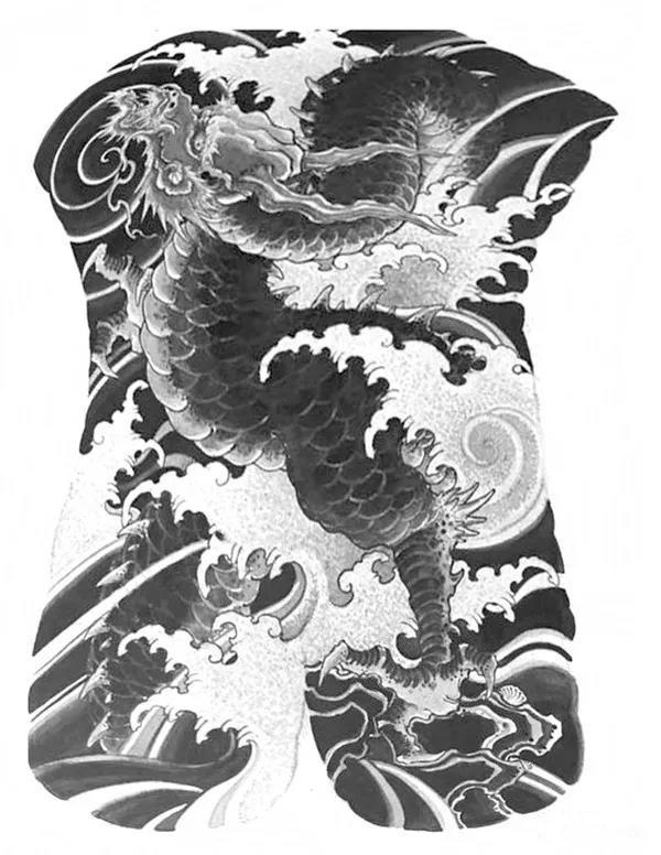 大满背龙纹身手稿,hold不住了咋办?河南专业纹身工作室来告诉您|洗纹身-郑州天龙纹身工作室
