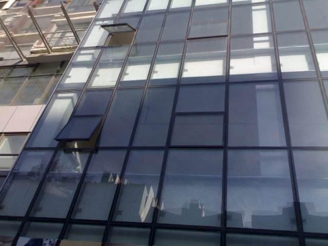 幕墙玻璃开窗