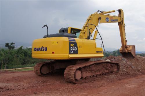 日立挖掘机维修时常见毛病及解决办法_联邦重机挖掘机维修