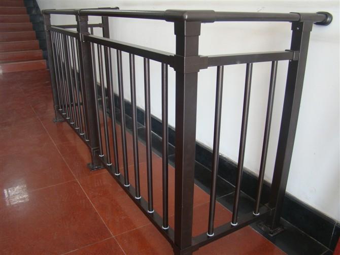 锌钢阳台护栏.jpg