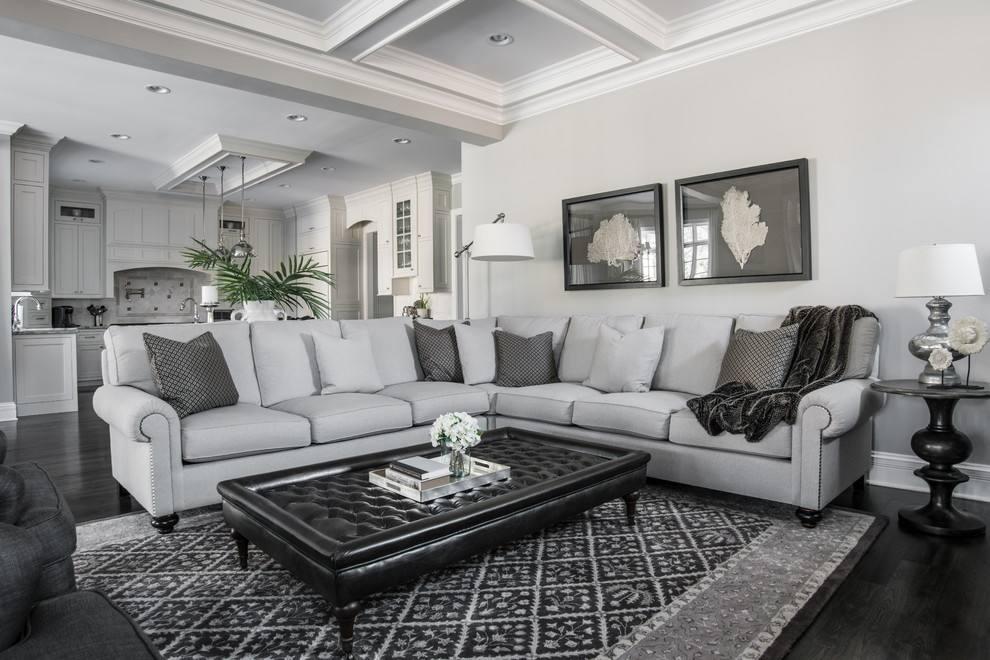 淡灰色客厅