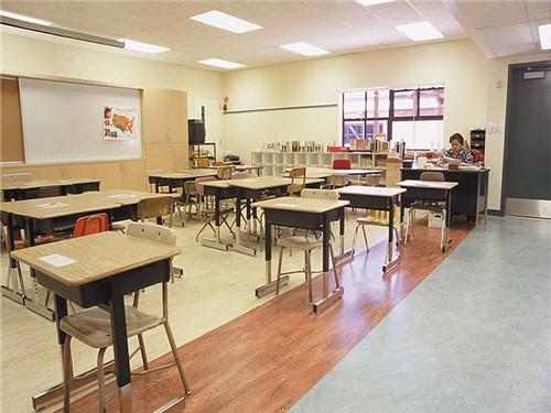 学校教室PVC地板效果|客户案例-陕西棋牌挣钱建材有限责任公司