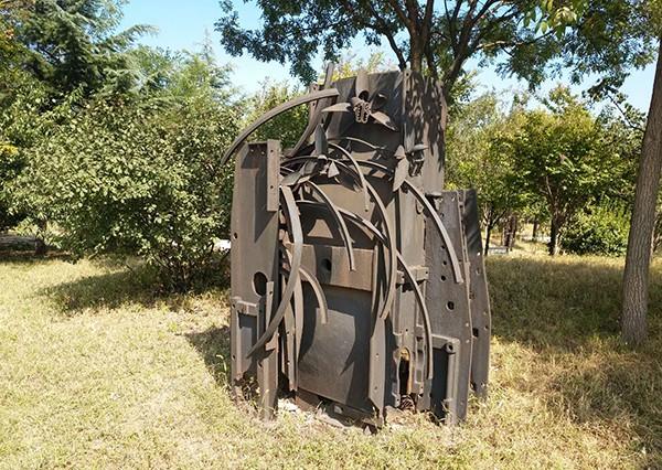 煤炭废旧设备.jpg