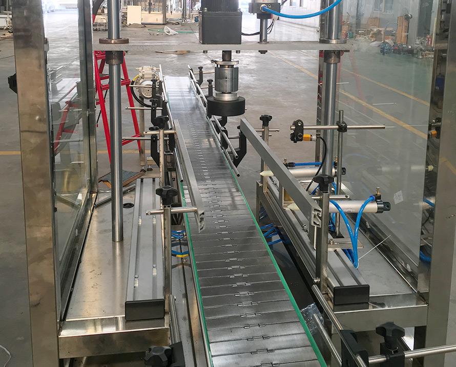 压盖、封箱机案例|解决方案-山东科麦多自动地位不同化科技有限公司