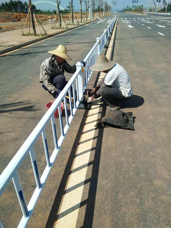 来宾市滨江北路市政护栏工程项目|工程案例-广西骏溪交通器材有限公司