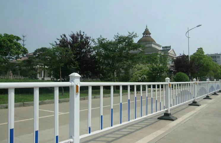 广西道路护栏|市政栏杆-广西众展金属制品有限公司