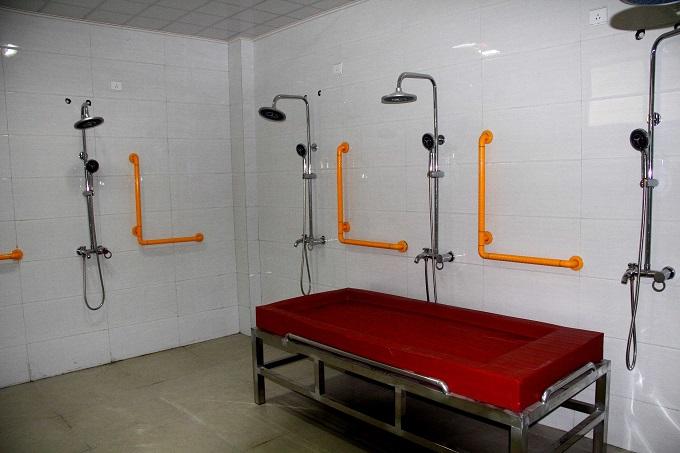 公用洗澡间.jpg